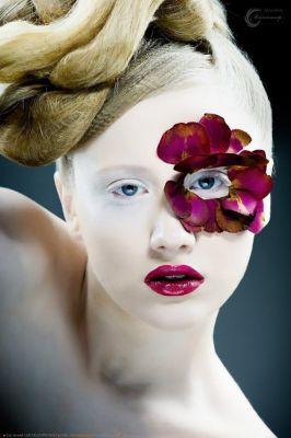 makeup : Felix ShteinМodel: Vasilisa NiriforovskajaФото: Еvgeni ShemshurenkoHairstyle: Nastya Babikova