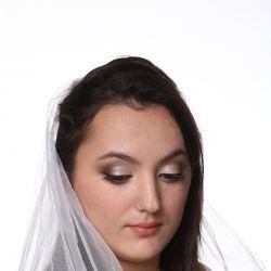 Make up artist Sylviana Narsiss